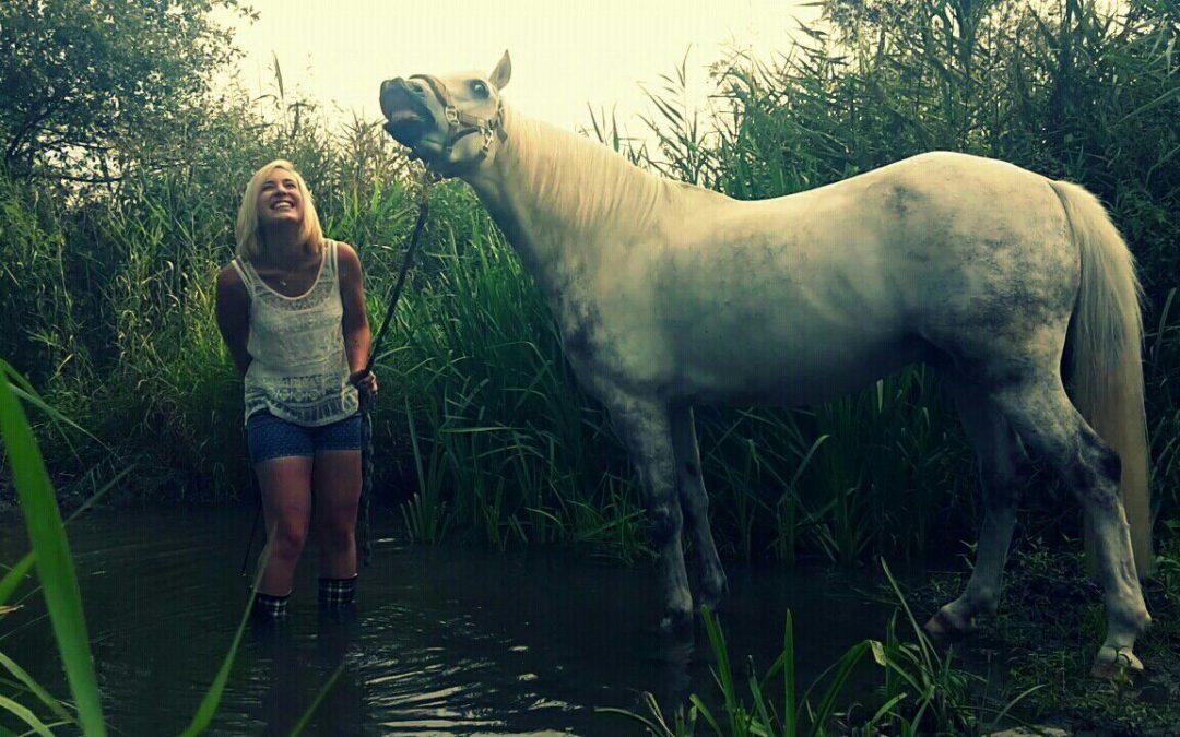 Pferde Foto: Melanie und Picaro – Das Leben ist zu kurz um keinen Spaß zu haben ;-)